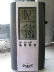 weather winnipeg temperature thermometer