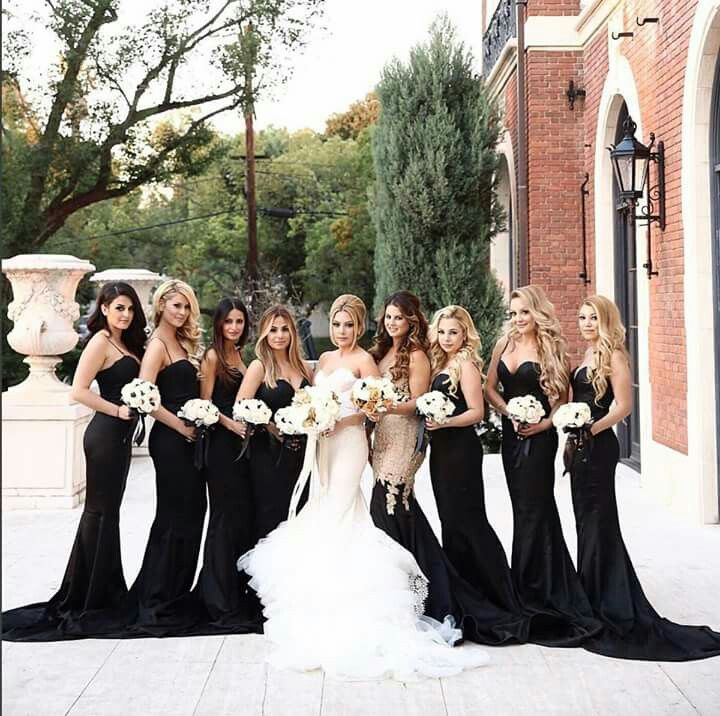 Wasn't sure about black for bridesmaids until  now. Love it!