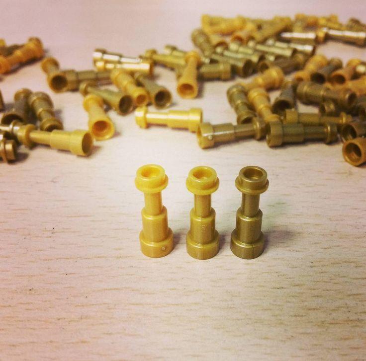 Spot the difference!  #WeLoveWhatYouBuild #wlwyb #lego #legostagram #toys #toyslagram #toystagram #design #legoart  #legomania  #fun  #minimalist  #creativeminds  #creativeplay  #classic  #legogram  #afol  #custom  #toycommunity  #toydiscovery  #bricks  #fandom  #mystery  #sets  #build  #accessories  #utensils  #different  #colors  #binoculars