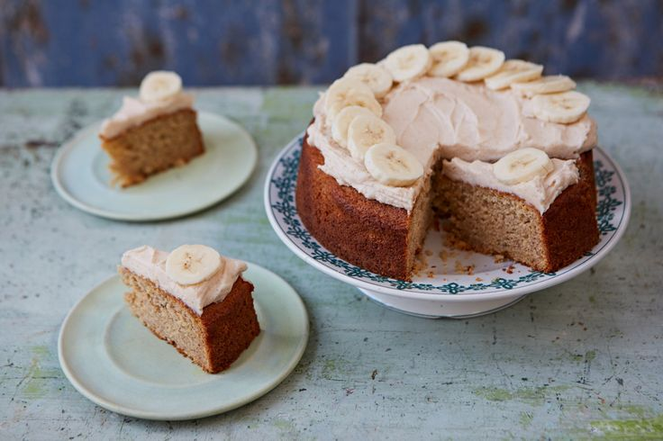 Ever wondered how to make the most perfect, melt-in-the-mouth banana cake? Then look no further – April Carter from Rhubarb & Rose is here to show you how.