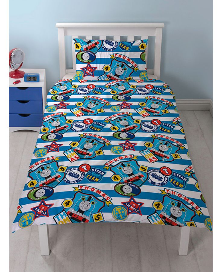 This fantastic Thomas & Friends Patch Single Duvet Cover and Pillowcase Set is fully reversible, giving you two great designs in one! Free UK delivery available