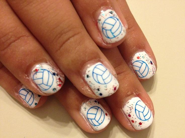 E se le ragazze che giocano a pallavolo si facessero tutte le unghie così? :-)