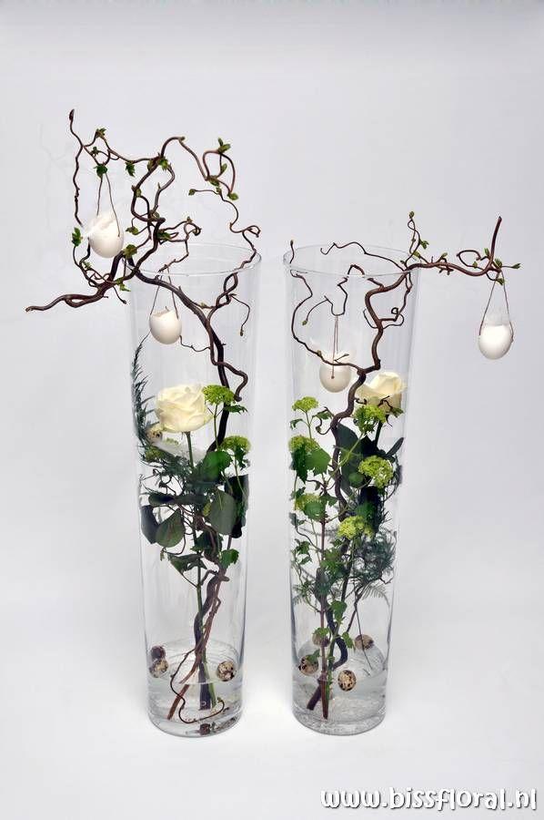 Frühlingshaftes Vasenarrangement
