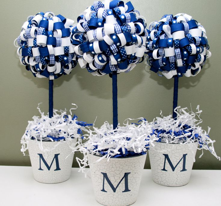 graduation ribbon topiary