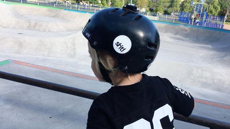 A ride in the park  #dwbtoftshit #bmxlife #bmxpark #bmx #kidstyle