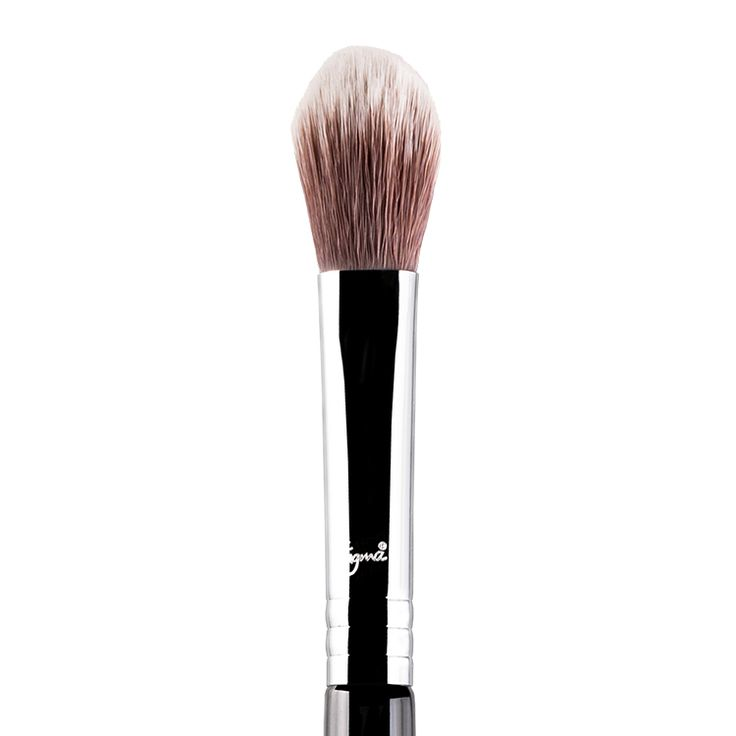F03 - High Cheekbone Highlighter Brush $19 USD (Free international shipping over $150)