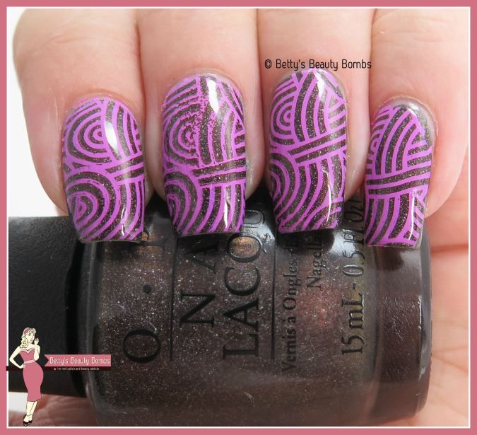 http://www.bettysbeautybombs.com/2015/08/04/opi-my-private-jet/ / OPI My Private Jet Nail ARt