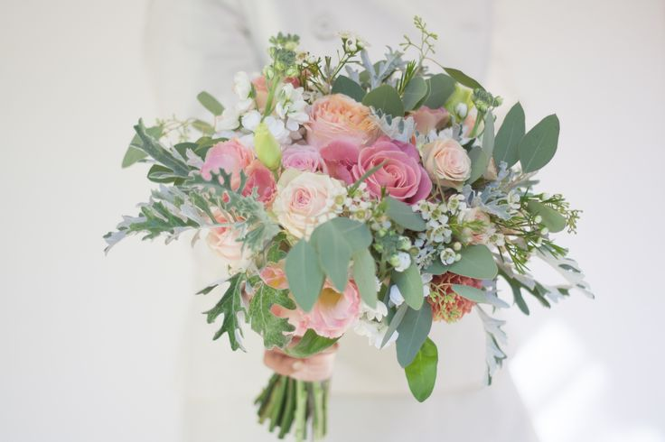 #Grey green, pink, white and happiness for a romantic #wedding bouquet!