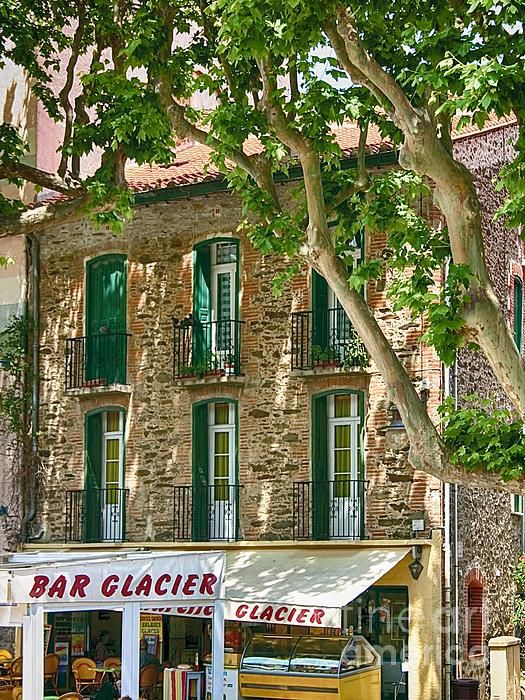 Even an ice cream shop looks picture perfect in the south of France. Location: Collioure, France