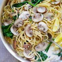 時短でもおいしく。「クリーミーマッシュルームパスタ」のレシピ - macaroni