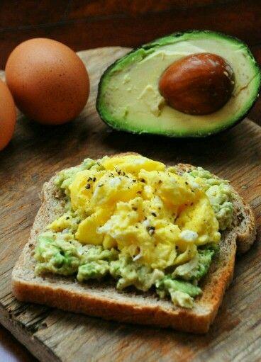 bread with egg & avocado