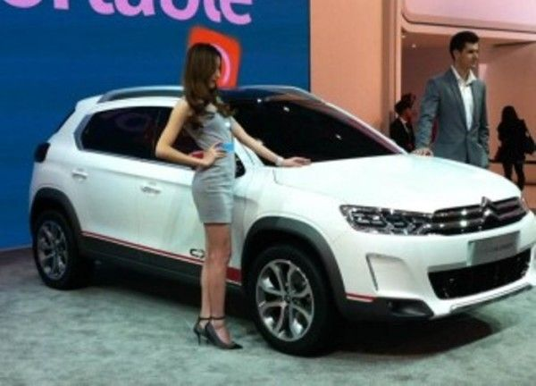2014 Citroen C XR sport car sexy girls in auto show 600x432 2014 Citroen C XR Review, Specification, Price with Images