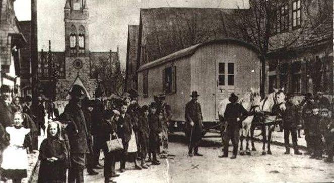 Wóz Michała Drzymały. Wikimedia Commons. Źr.: Grodzisk Wielkopolski - Zarys Dziejów - Bogusław Polak