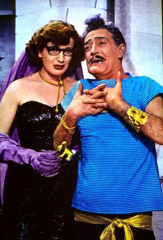 """Fulvia Franco and revue and comedy star Totò (Antonio De Curtis) in Steno (Stefano Vanzina)'s comedy """"Totò a colori"""" (English title: """"Totò in Color"""", 1952)."""