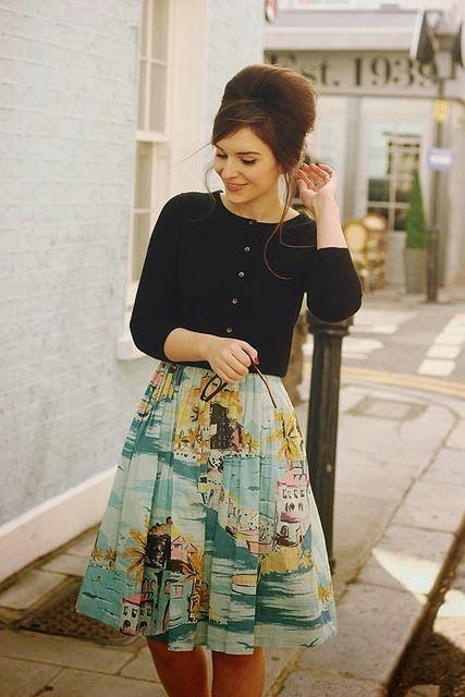 Spring street style | Black top, printed skirt