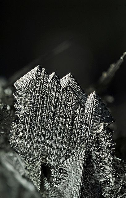 Tin crystals prepared by ion exchange reaction