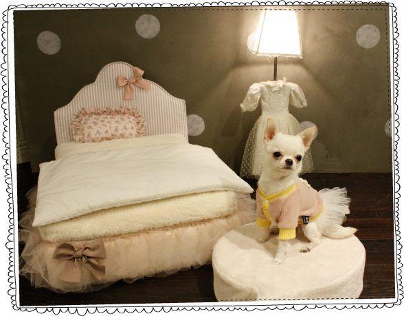 """Серия """"OMG"""": кроватки & люльки-колясочки для собачек в нежнейшем исполнении!"""