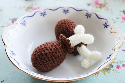 Crocheted drumstick. Nu med mönster. Now with patterns