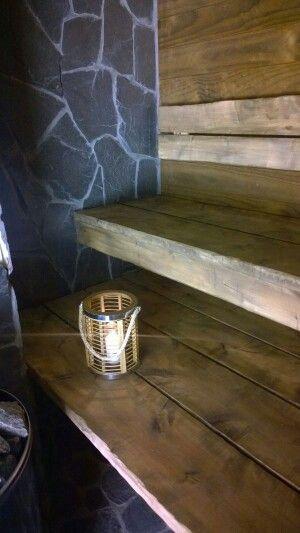 Lankkua, liuskekiveä ja puukiuas.. kaunein sauna!!