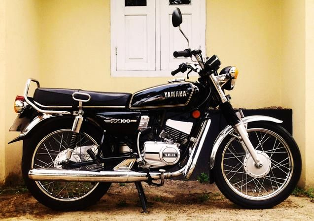 Yamaha RX 100 Variant, Price - ₹ 16,000 in India.  Read Yamaha RX 100 review and check the mileage, shades, interior images, specs, key features, pros and cons.