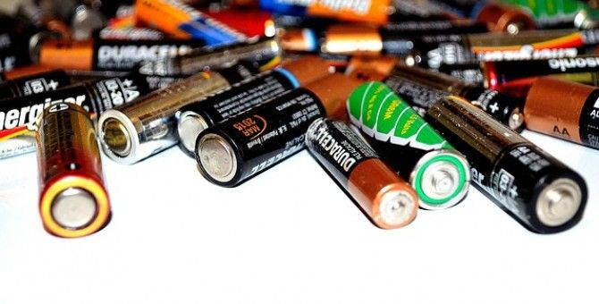 Batteries  that recharge in 26 seconds, invented by an American!!!