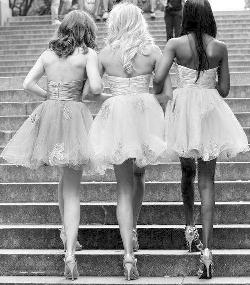 Bestfriends in prom dresses ♥ Meet new friends and singles in the Okanagan. Ultimate Social Club 250-938-4412