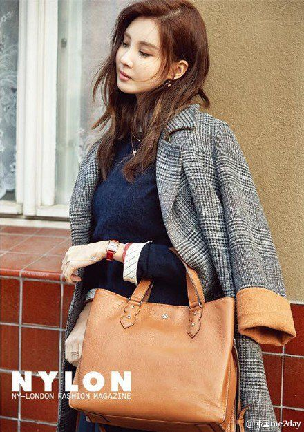 Girls' Generation's Seohyun brings the winter-feel from Berlin | allkpop.com