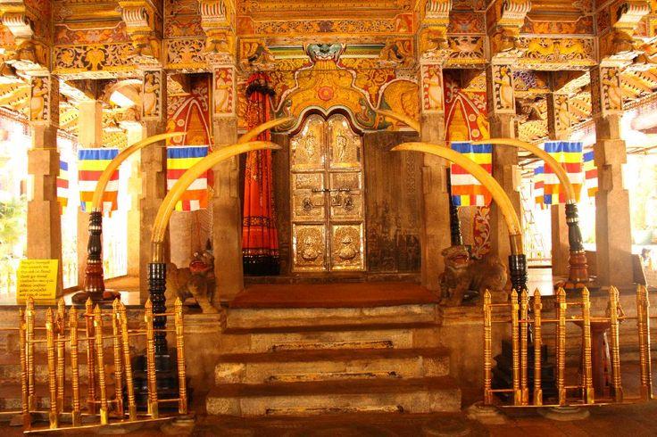 Kandy Tooth temple #SriLanka