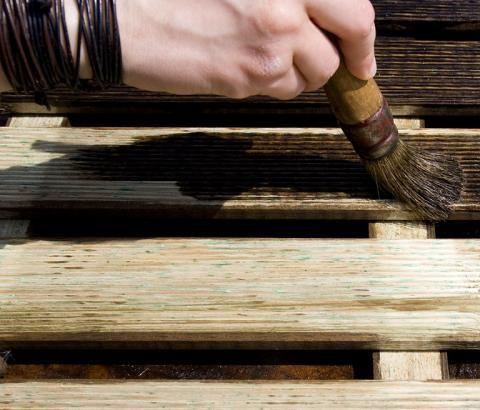 Holz beizen - so geht´s - [SCHÖNER WOHNEN]