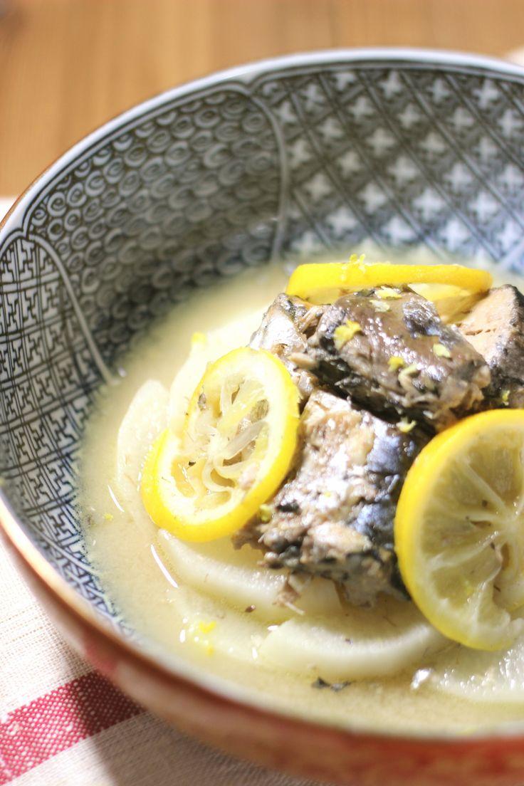 鯖の水煮缶と大根のレモン煮 by yakko / 身体にいい青魚を簡単に摂るには、鯖の水煮缶はとっても便利です。レモンを使ってさっぱりとした煮物を作りました。…