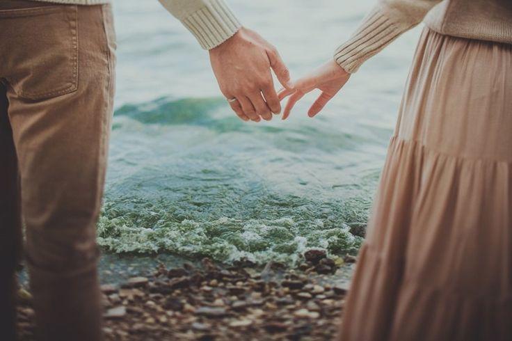 Не смей грустить... Не вечно горе... Не падай духом! Спорь с судьбой... И знай, что в Жизни, как и в море, За бурей следует покой!..