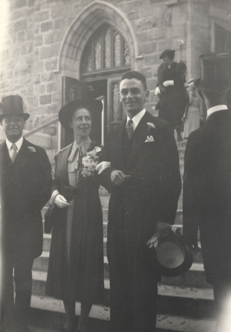 Madeleine and Jean Paul Lemieux, outside the church on their wedding day in June of 1937. #ArtCanInstitute