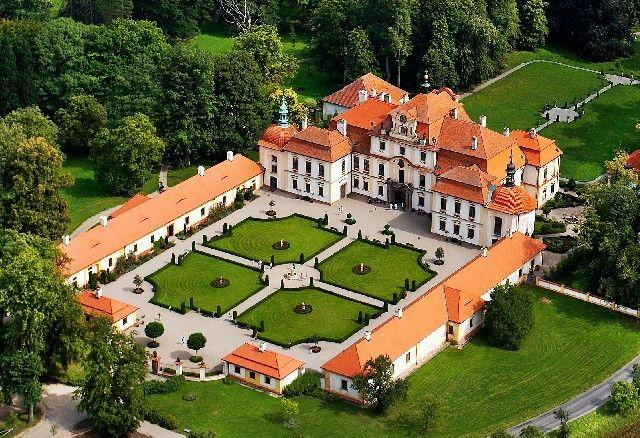 Jemniště Castle