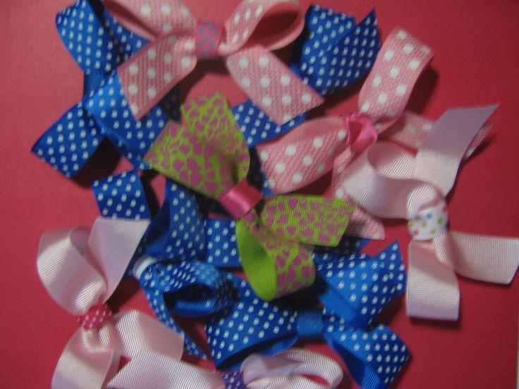 Assorted bows Moños variados