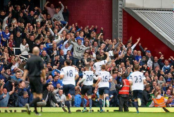 Leighton Baines scores two free-kick Golazos vs West Ham