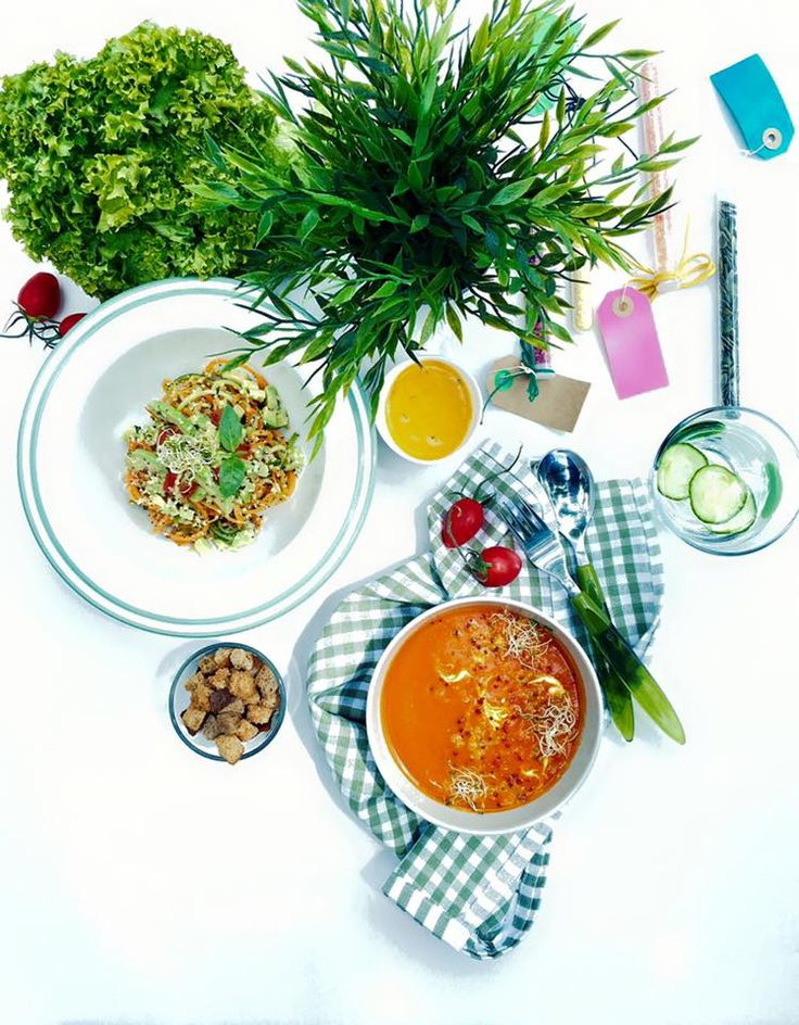 Supa de #rosii cu #quinoa si #noodles de #legume. Pofta buna !