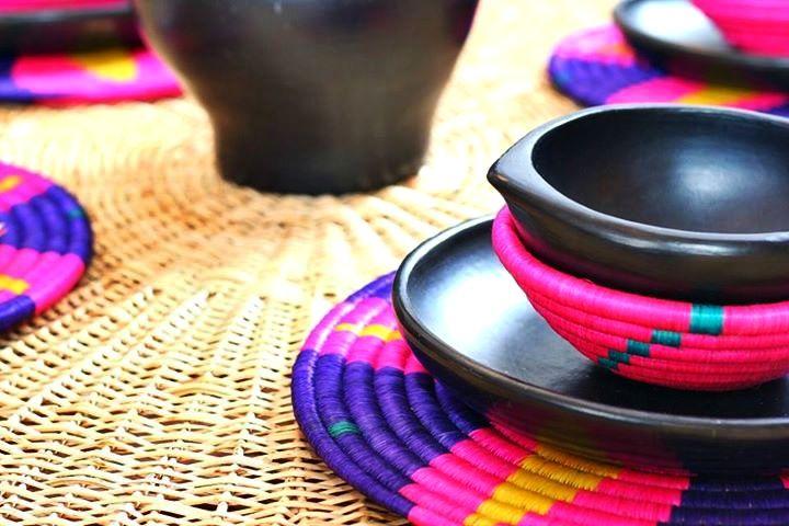 Vajilla de Barro Negro; Oaxaca, México. ¡Lindísima!♥ yo la quiero!!!
