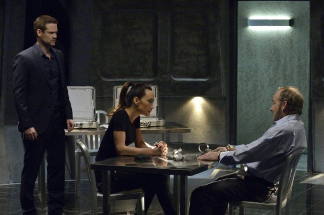 Still of Maggie Q, Shane West and John Jarvis in Nikita (2010)