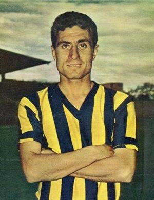 Lefter Kucukandonyadis 1924-2012 (Tribünler söyledi binlerce kere, ver LEFTERE yaz deftere,bitti kalem doldu defter,efsaneler ölmez LEFTER)