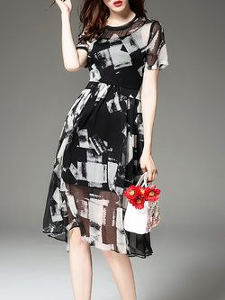 Abstract Elegant Short Sleeve Crew Neck Midi Dress