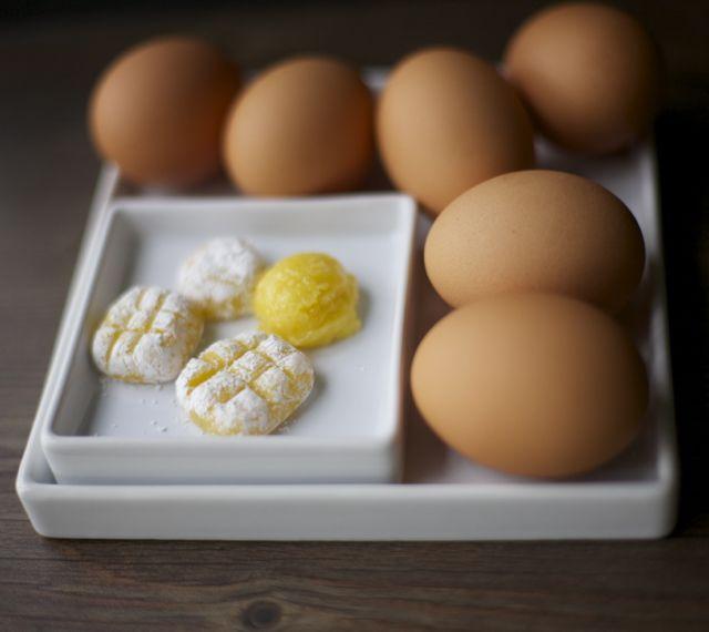 Huevo mol / Egg yolk bomboms   En mi cocina hoy