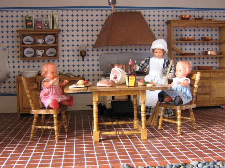140 migliori immagini dollhouse kitchens su pinterest for Cottage molto piccoli