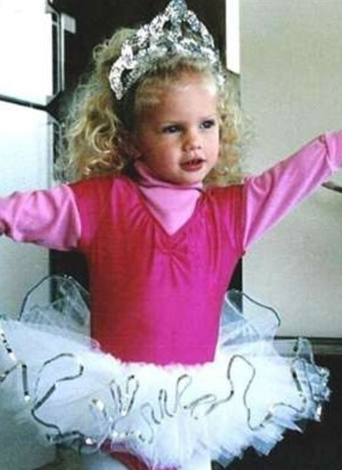 day 17: baby Taylor- this is probably my favorite picture of Taylor as a young child (baby)