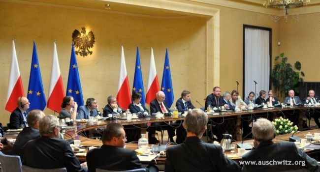 On September 10, Polish Prime Minister Donald Tusk presented the nominations of the members of the International Auschwitz Council in Warsaw. The inaugural meeting of the third term of the IAC took place on 10 September in the Chancellery of the Prime Minister. The meeting was chaired by Prof. Władysław Bartoszewski. The new vice presidents of the IAC are: Dr Barbara Engelking and Avner Shalev. Marek Zając was reappointed as a secretary of the Council.