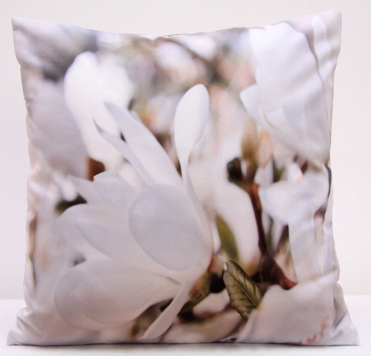 Obliečky na vankúše s bielymi kvetmi