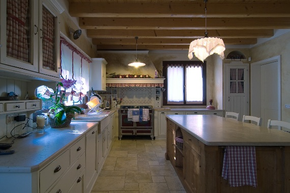 Finestre in legno per cucina country - Country-style kitchen wooden windows