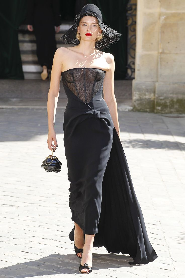 Ulyana Sergeenko Fall 2017 Couture Fashion Show - Lily Donaldson