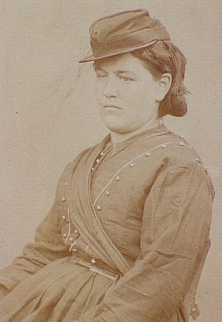 Title: Louise Bonenfant, cantinière.  Date: [1871]