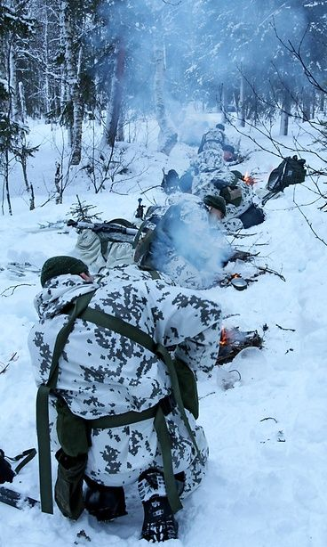 Finnish Jaeger Brigade teaching winter survival techniques to American and Swedish soldiers in Finnish Lapland 2017. Copyright: Puolustusvoimat.