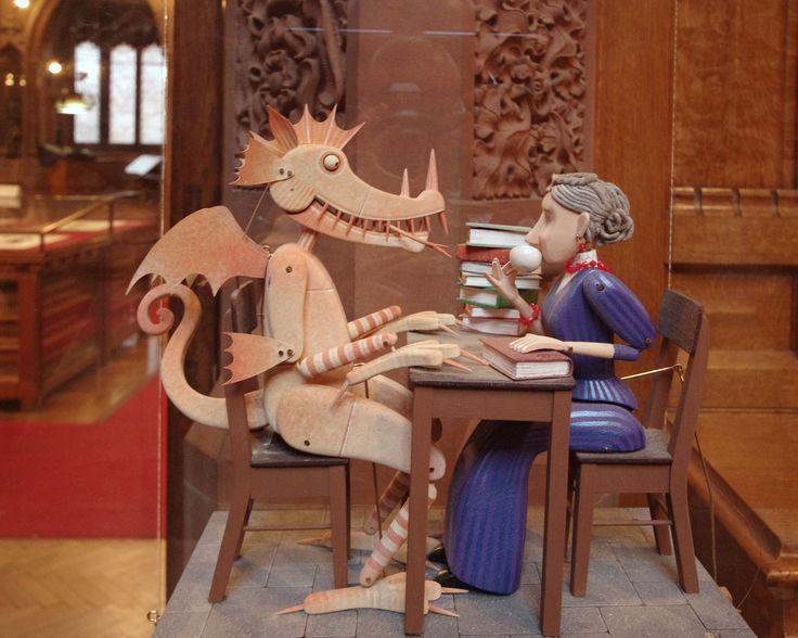 bibliotecari | librarians https://flic.kr/p/sijVjm | John Rylands Library Donation Box | Automata by Keith Newstead depicting Enriqueta Rylands taking tea with a dragon. Great fun.